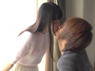 タツ/宮崎あや 黒髪清純系美少女がキスからエッチな姿をあらわにしちゃう恋人同士のようなラブラブセックス S-Cute JavyNow女の子の為のエロ動画