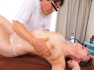 倉多まお クリニックにやってきた清楚系美少女がスペンス乳腺開発されて乳腺の奥まで刺激されて何回もイっちゃう絶頂セックス JavyNow女性専用アダルト動画