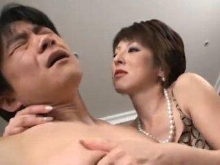 芹沢恋 なにわの凶悪姉さんがドMな男性のカラダを弄びたたき落とすような陰湿さの女性優位セックス JavyNow女性専用アダルト動画